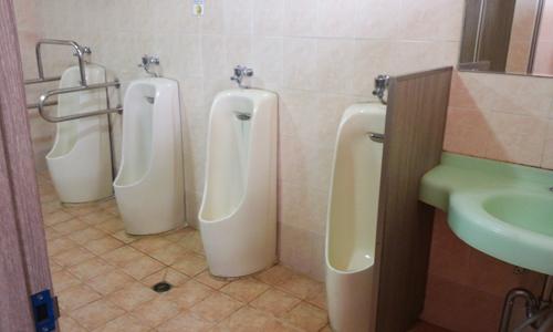 남자화장실1.png