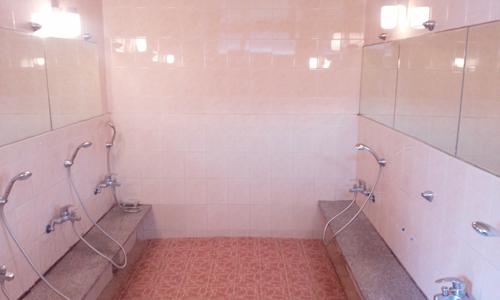 여자 샤워실.png
